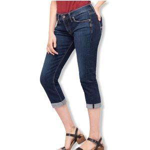 Silver Jeans • Blue Suki Capri Jeans • Size 28